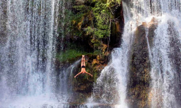 Jajce-waterfall jumping competition